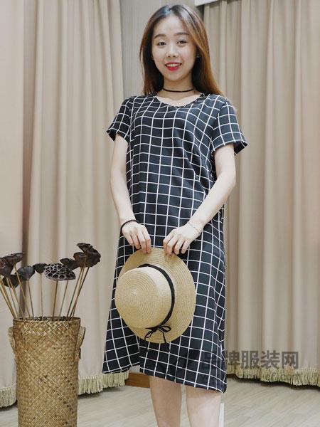 季歌女装2018夏季时尚休闲格子短袖连衣裙