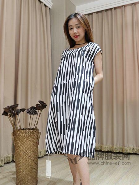 季歌女装2018夏季时尚休闲条纹连衣裙
