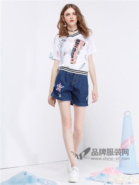 CRZ潮牌女装2018春夏时尚休闲V领印花T恤