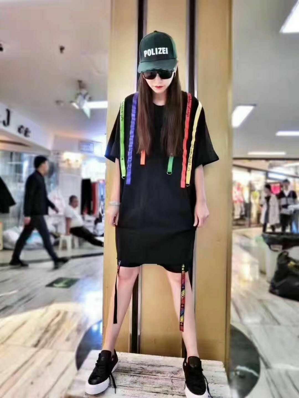 龙翔服饰城布石品牌折扣店货源渠道