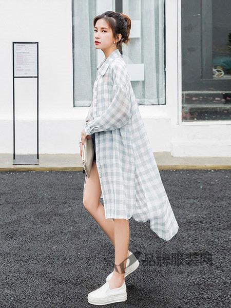 永创女装2018春夏时尚格子文艺开衫中长外衣