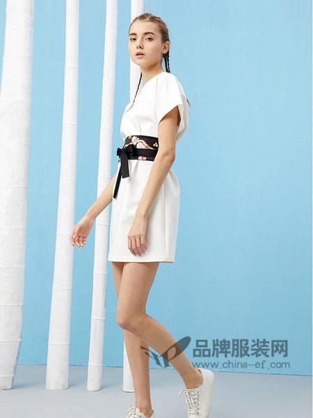 芥末女装2018春夏中国风一字领连袖白色大T恤廓形腰封系带连衣裙