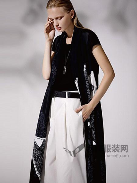 ZAIN形上女装2018春夏时尚雪纺印花短袖披风