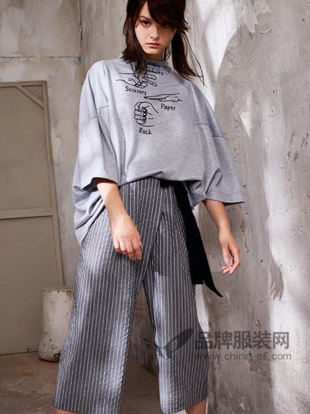娅铂・周末女装2018春夏时尚休闲宽松T恤