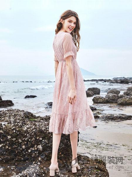 蓝色倾情女装2018春夏新款温柔裙仙气裙子女夏粉色超仙收腰蕾丝连衣裙长裙