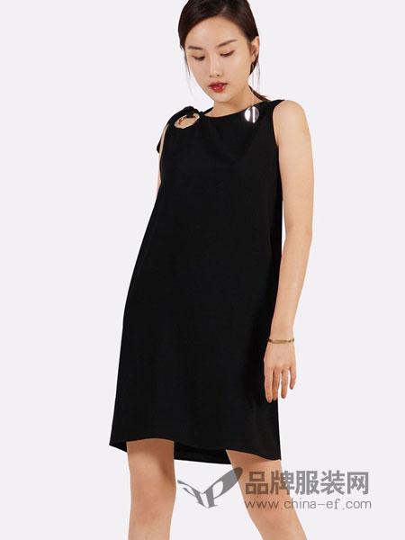 蔻贝卡女装2018春夏露背领带背心式A字连衣裙
