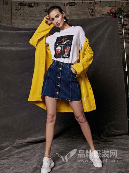 T&W女装2018春夏T恤女白色韩版宽松圆领学生短袖体恤