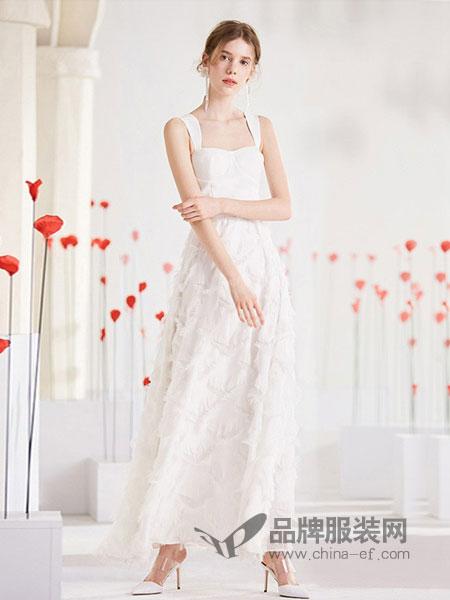 千姿惠Qanzhui女装2018春夏新款白色羽毛流苏背带裙中长款仙气气质无袖连衣裙女