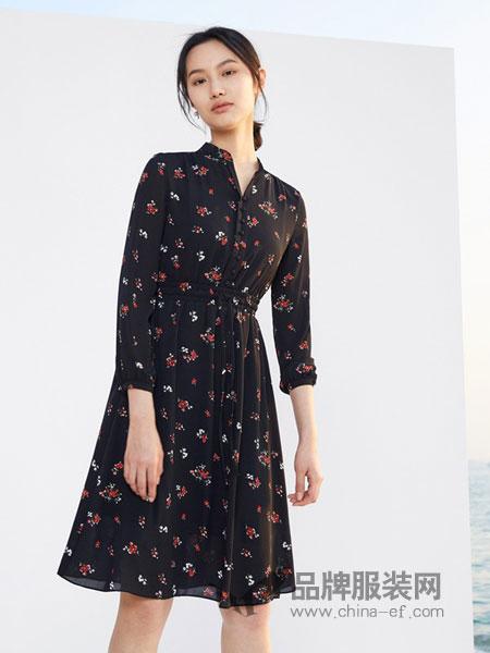 千姿惠Qanzhui女装2018春夏时尚花纹收腰版型长袖连衣裙