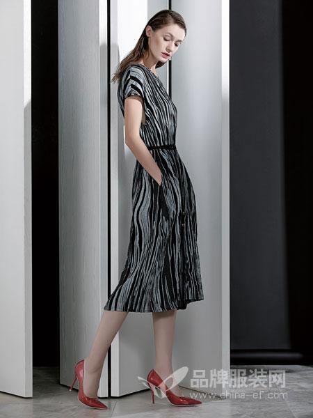 佛尼亚女装2018春夏条纹短袖棉绸连衣裙 系带收腰绵绸印花中长裙