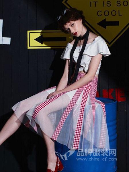 司合伊女装  棉麻休闲、时尚淑女、时尚潮流、舒适