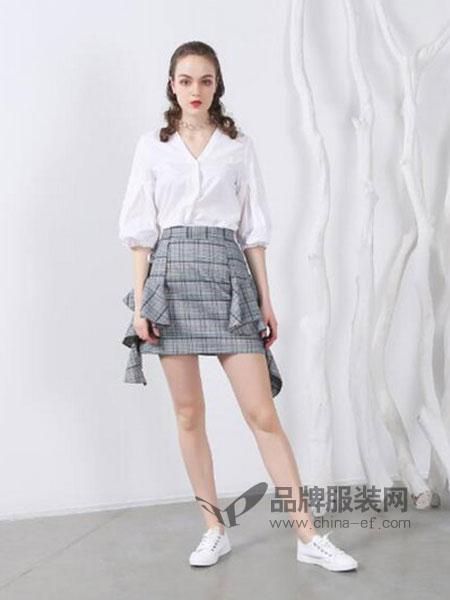 欧玥女装2018春夏时尚格子不规则个性短裙