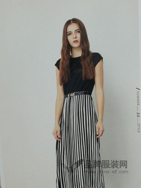 武汉惠品女装2018春夏修身显瘦 钢琴褶超弹条纹连衣裙