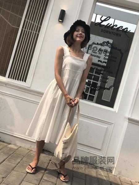 海玲女装2018春夏韩版纯色简约文艺小吊带娃娃连衣裙