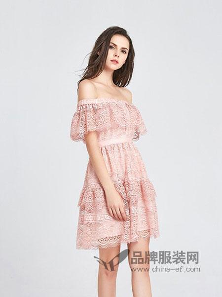 CAYLAR女装2018春夏粉色蓝色蕾丝镂空一字领性感高腰连衣裙