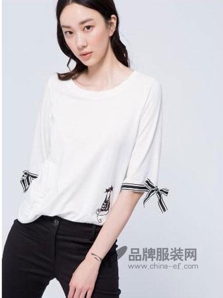 伊洛Iroo女装2018春夏学生宽松五分袖打底衫