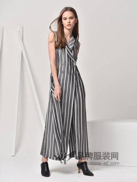 HRH女装2018春夏宽松翻领竖条纹连体裤 无袖修身双排扣阔腿裤