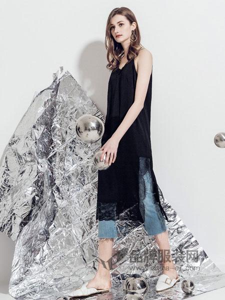 蒂言女装2018春夏中长款丝绒V领侧开叉打底吊带连衣裙
