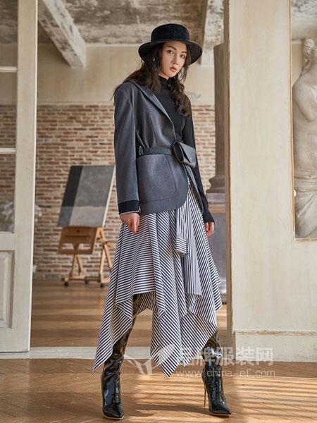路尼裟女装2018秋季宽松腰带装饰黑色气质皮衣外套