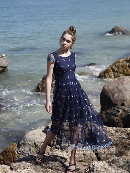 歌贝美女装2018春夏新款大摆气质圆领短袖沙滩裙长裙