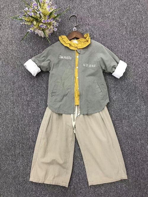 童尚秋款休闲风格简约百搭系列产品。