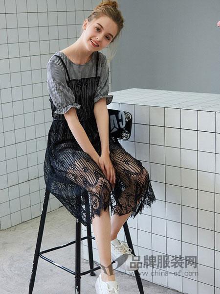 Cache-Cache捉迷藏女装2018春夏时尚淑女蕾丝格纹假两件连衣裙