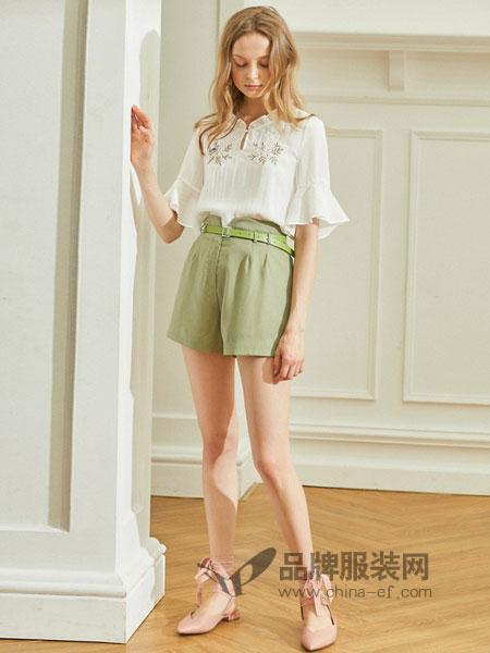 欧芮儿女装2018春夏条纹提花木耳白色衬衣女喇叭袖刺绣衬衫女上衣