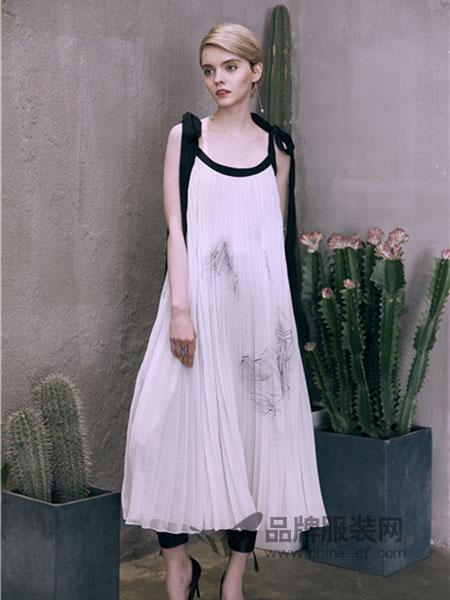 盖娅传说女装2018春夏白色吊带连衣裙