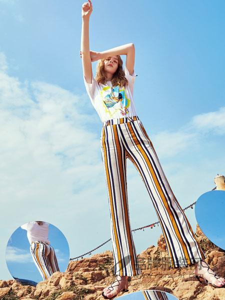 奥伦提女装2018春夏小清新条纹套装吊带绑带修身上衣显瘦休闲长裤两件套