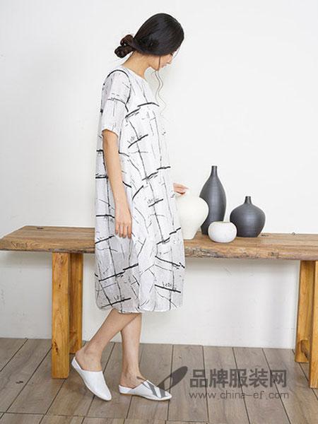 谷度女装2018春夏新款短袖黑白格纹大码宽松显瘦中长裙