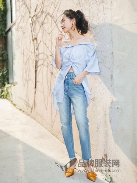 艾蜜雪女装2018春夏新款七分低腰瘦腿牛仔裤