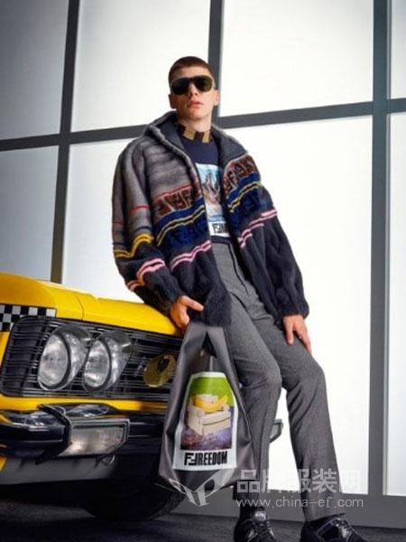 芬迪休闲2018秋季羊毛复古孤品民族风撞色波普图案毛衣