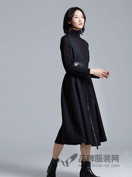 Guke谷可女装2018秋季黑色高腰中长款连衣裙系带百褶A字裙子潮