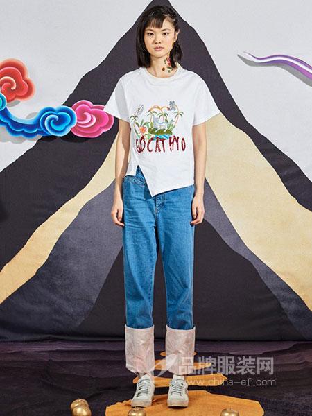密扇女装2018春夏原创印花亮片刺绣不规则圆领短袖T恤