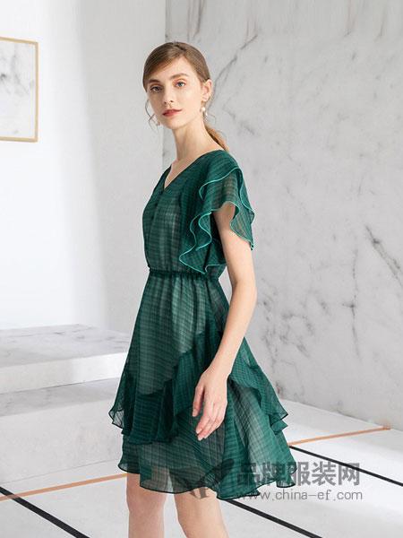 德菲蒂奥女装2018春夏新款淑女气质纯色v领荷叶袖连衣裙