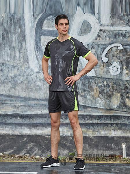 西域骆驼男装2018春夏短袖吸汗透气V领压花个性健身训练跑步服