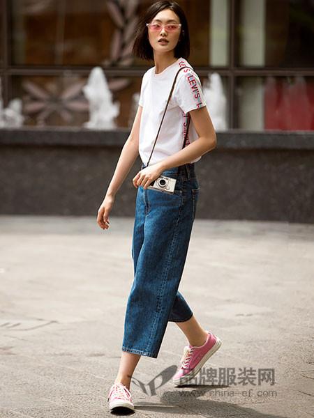 李维斯女装2018夏季白色圆领短袖T恤