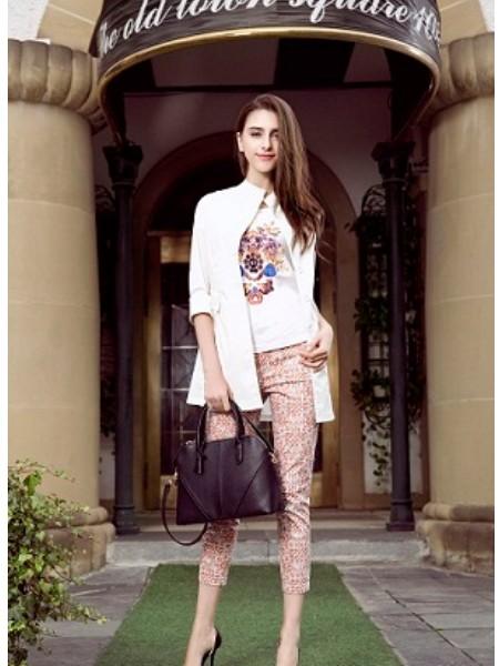 衣时代网女装,采用先铺货,后结账的代销方式