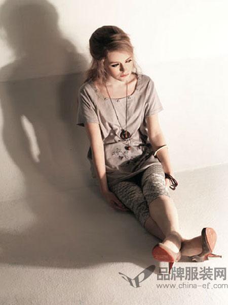 布依女装棉麻T恤女短袖大码绣花亚麻两件套装