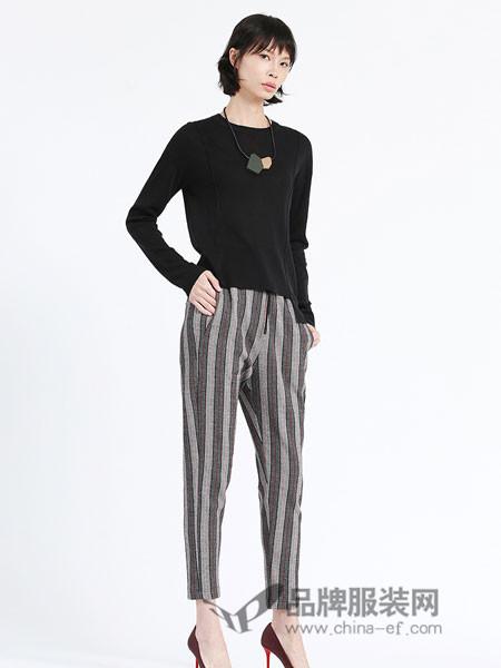 ivy/kki艾维女装2018秋季长袖针织衫女套头打底衫纯色简约不规则上衣