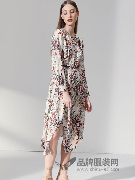 朗姿女装2018秋季长裙长袖收腰系带不规则雪纺印花连衣裙