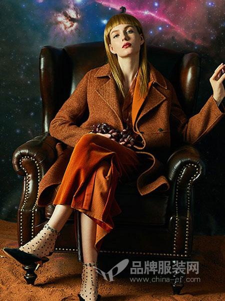 贝洛安女装2018秋冬焦糖红棕色秋冬战袍水波纹羊绒大衣