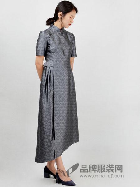 有�o女装2018秋冬连衣裙