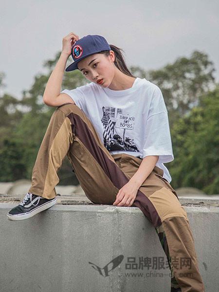 Clot女装2018夏季印花T恤