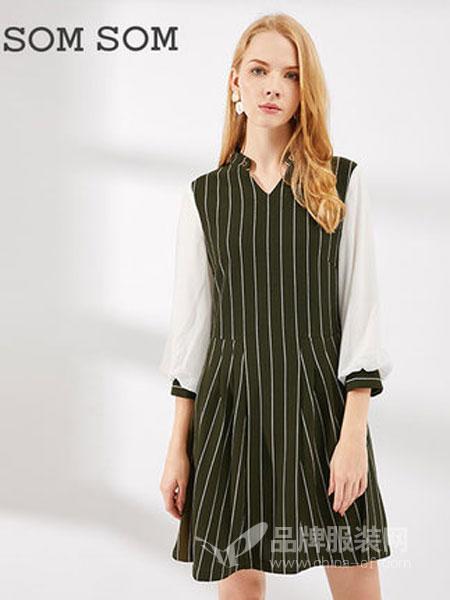 索玛女装2018秋季打底V领韩版修身女装大码女装裙子连衣裙