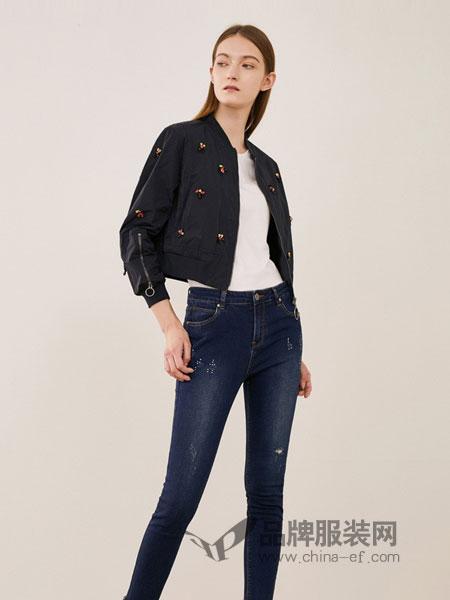 可可尼|COCOON女装2018秋冬休闲时尚缝制钻花点缀纯色长袖短版外套