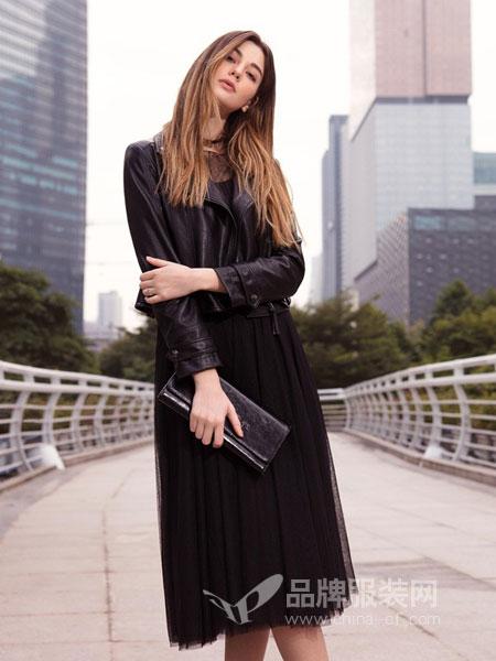 例格女装2018秋冬韩版气质松紧收腰百褶裙子显瘦长裙
