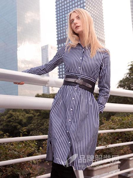 例格女装2018秋冬新品时尚竖条纹中长款连衣裙