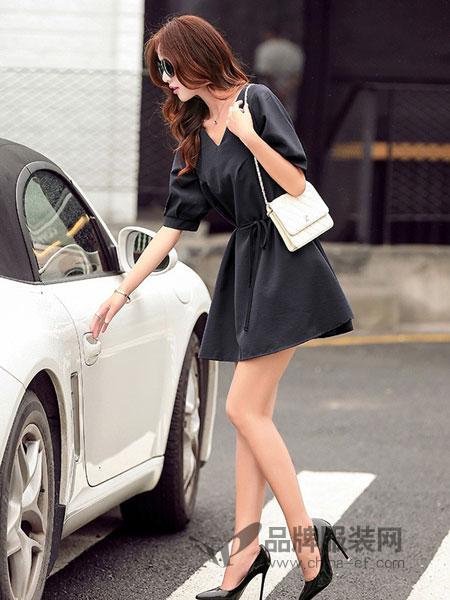 诺诗琪女装2018春夏韩版休闲时尚宽松显瘦V领中袖收腰纯色连衣裙