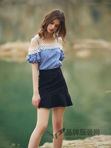 COCOTDZZY女装2018秋冬复古格子衬衫拼接蕾丝露肩上衣